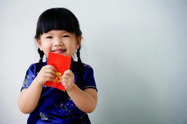 Đứa trẻ biết ơn cha mẹ suốt đời chỉ vì bài học dạy cách dùng tiền lì xì Tết-2