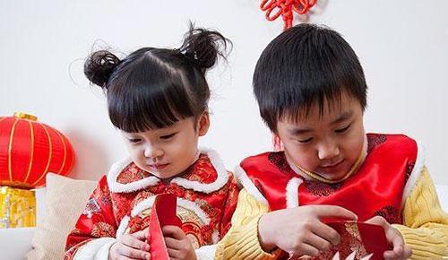 Đứa trẻ biết ơn cha mẹ suốt đời chỉ vì bài học dạy cách dùng tiền lì xì Tết-3