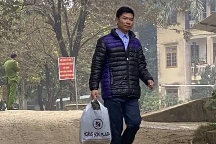 Lãnh đạo Sở Y tế Hòa Bình: Để tiếp tục nghề, Hoàng Công Lương như công dân bình thường, không có