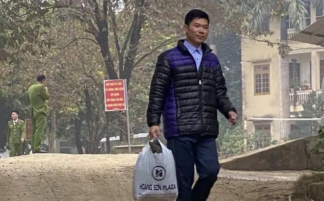 Lãnh đạo Sở Y tế Hòa Bình: Để tiếp tục nghề, Hoàng Công Lương như công dân bình thường, không có đặc cách-1