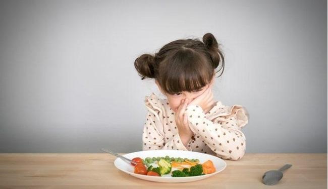 Nạn đói tiềm ẩn và những dấu hiệu đơn giản cha mẹ dễ bỏ qua khiến trẻ có nguy cơ thấp còi, yếu ớt-2