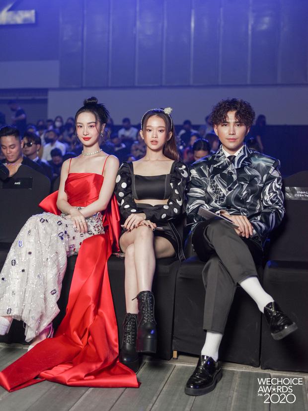 Dàn hot couple sánh vai tại Gala WeChoice Awards: Linh Rin - Phillip Nguyễn trông như vợ chồng son, Wean - Naomi bao ngầu-5