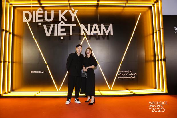 Dàn hot couple sánh vai tại Gala WeChoice Awards: Linh Rin - Phillip Nguyễn trông như vợ chồng son, Wean - Naomi bao ngầu-10