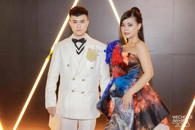 Dàn hot couple sánh vai tại Gala WeChoice Awards: Linh Rin - Phillip Nguyễn trông như vợ chồng son, Wean - Naomi bao ngầu-12