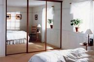Vợ chồng rạn nứt tình cảm, thường xuyên cãi vã: Kiểm tra ngay xem phòng ngủ có để vật đại kỵ này không