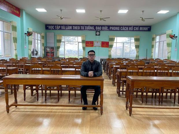 MC Quang Minh đi họp phụ huynh cho con trai nhưng phút cuối lại xị mặt, nghe lý do mà giận giùm nha!-1