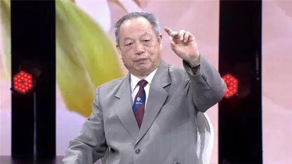 Kiên trì ăn nho khô suốt 20 năm, bác sĩ nổi tiếng Trung Quốc nhận về vô vàn những lợi ích này cho sức khỏe-1