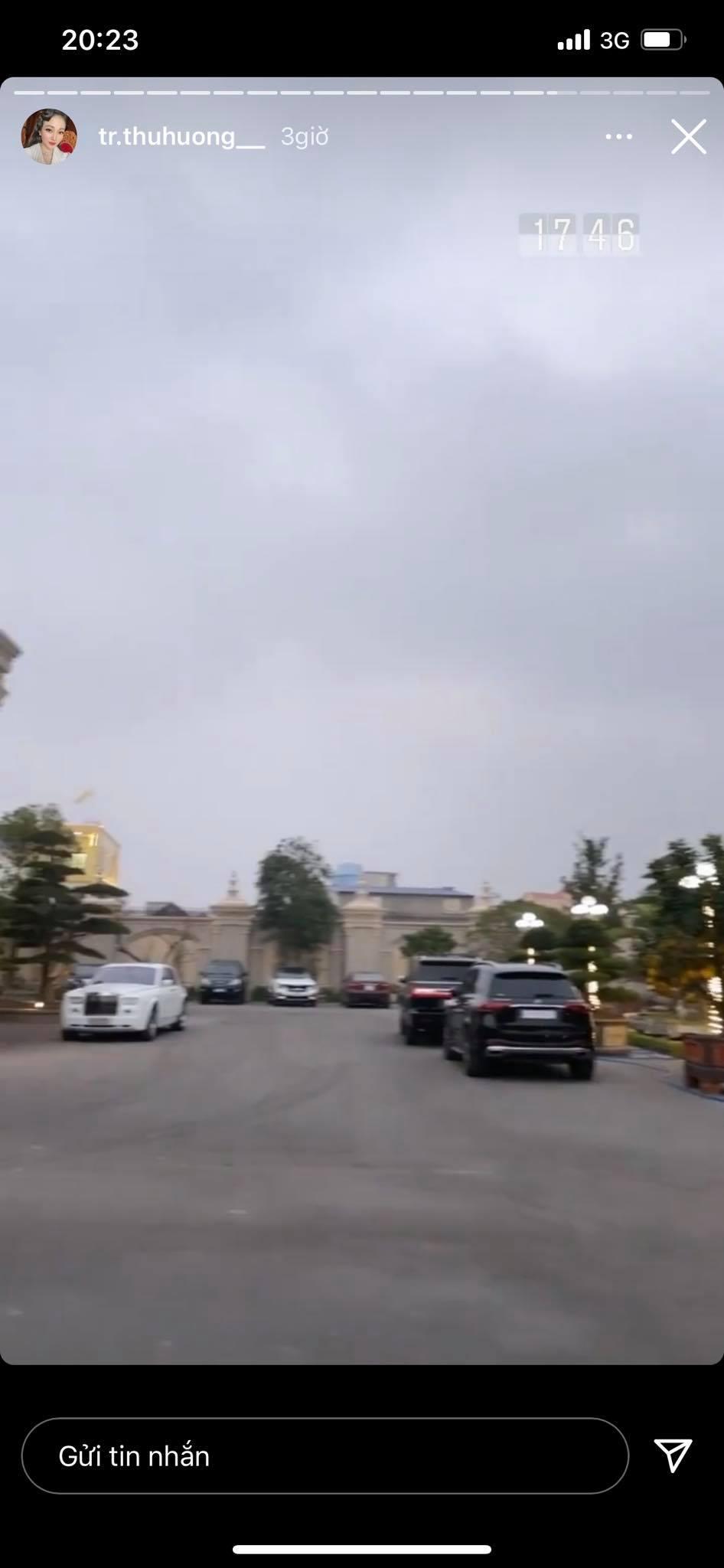 """Cô dâu đeo 200 cây vàng"""" bất ngờ chiếm trọn spotlight trên mạng xã hội khi tổ chức tiệc sinh nhật hoành tráng tại lâu đài xịn bậc nhất Nam Định-4"""