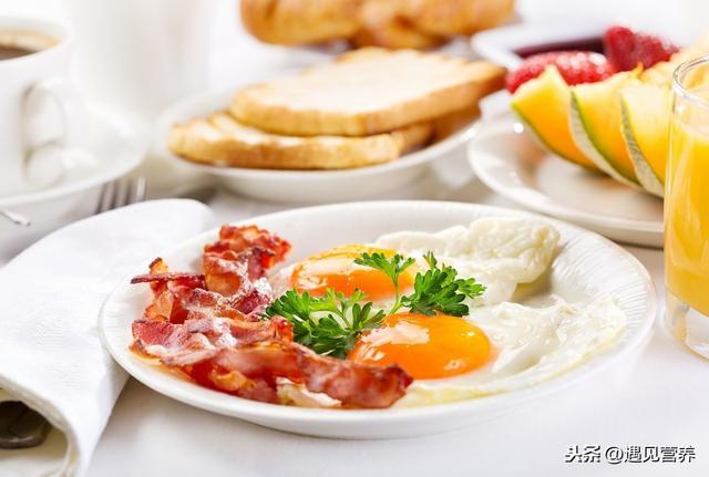 3 thói quen ăn sáng làm tổn thương dạ dày nghiêm trọng nhất, hơn nữa còn ảnh hưởng đến sức khỏe, khó hấp thụ dinh dưỡng-1