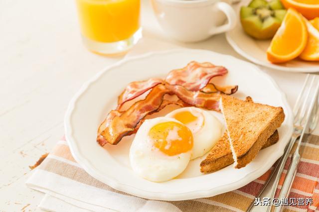 3 thói quen ăn sáng làm tổn thương dạ dày nghiêm trọng nhất, hơn nữa còn ảnh hưởng đến sức khỏe, khó hấp thụ dinh dưỡng-4