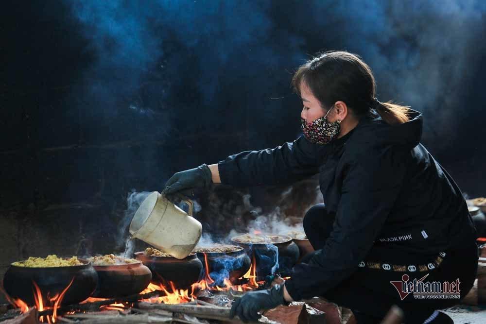 Nổi lửa suốt 15 tiếng, niêu cá 4 trong 1 đặc biệt làng Vũ Đại-14