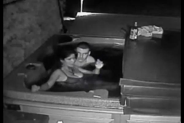 Chồng âm thầm đặt camera để theo dõi vợ khi đi vắng rồi nhận về kết quả ngoài sức tưởng tượng phải đi báo cảnh sát-1