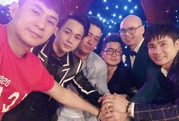 Đêm nhạc tưởng nhớ Vân Quang Long quyên được 236 triệu đồng-3