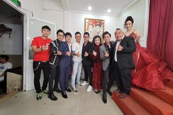 Đêm nhạc tưởng nhớ Vân Quang Long quyên được 236 triệu đồng-1
