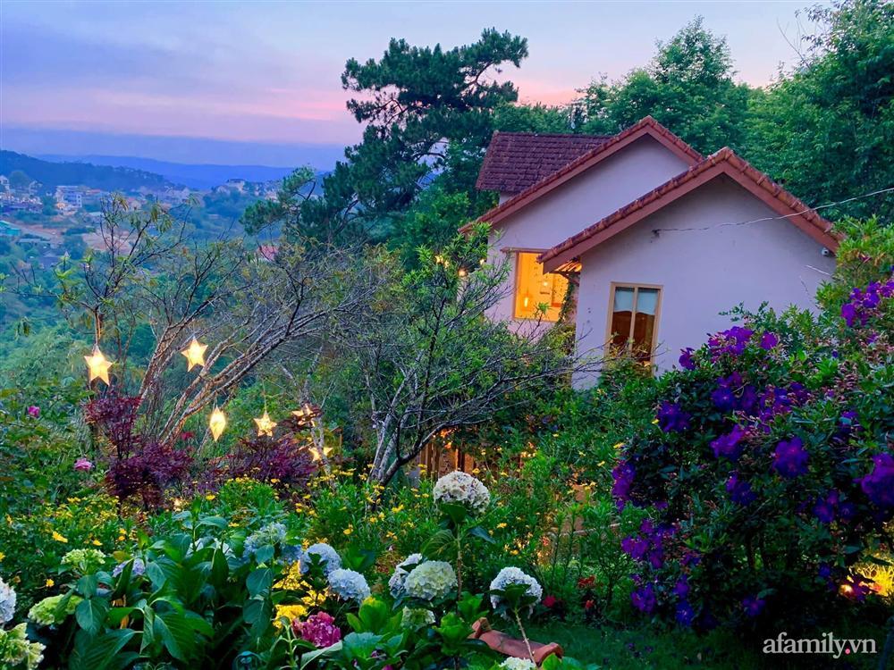 Ngôi nhà nhỏ yên bình sở hữu khu vườn đẹp như xứ sở thần tiên giữa lưng chừng đồi ở Đà Lạt-10
