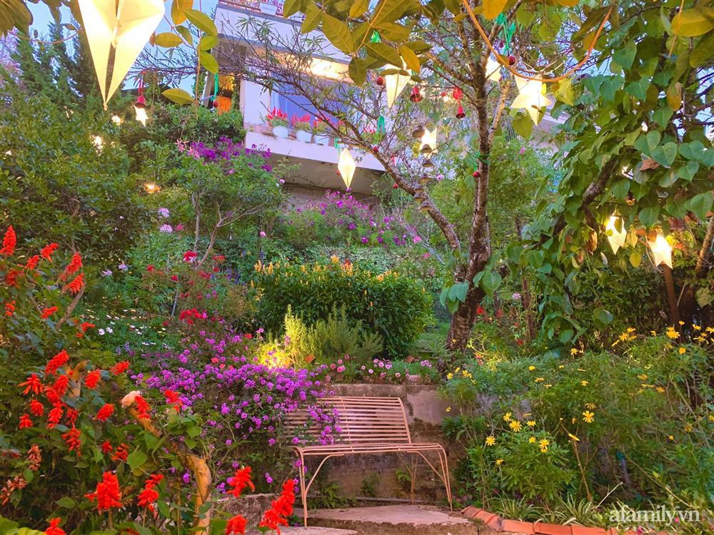 Ngôi nhà nhỏ yên bình sở hữu khu vườn đẹp như xứ sở thần tiên giữa lưng chừng đồi ở Đà Lạt-20