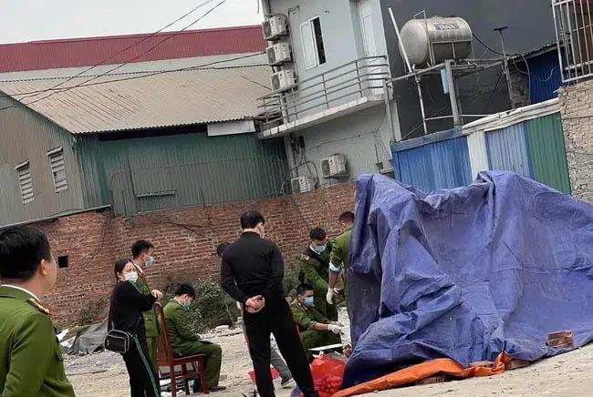 Xót xa thai nhi bị vứt bỏ tại bãi rác gần khu công nghiệp ở Bắc Ninh-1