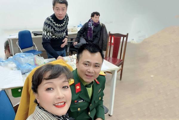 Hình ảnh Tự Long, Quốc Khánh trước giờ ghi hình chính thức Táo Quân 2021-7