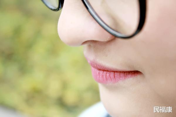Bỗng thấy miệng xuất hiện 3 điều lạ nghĩa là ung thư đã hình thành, bạn nên đi khám khẩn cấp-4