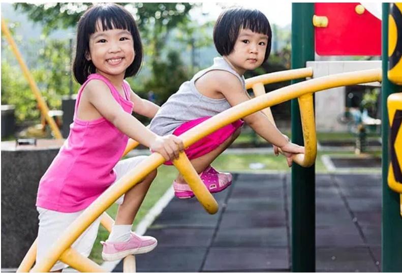 Cô bé 6 tuổi cao 1m15 rồi dậm chân tại chỗ, thủ phạm do chính thói quen của mẹ đã hại con-3