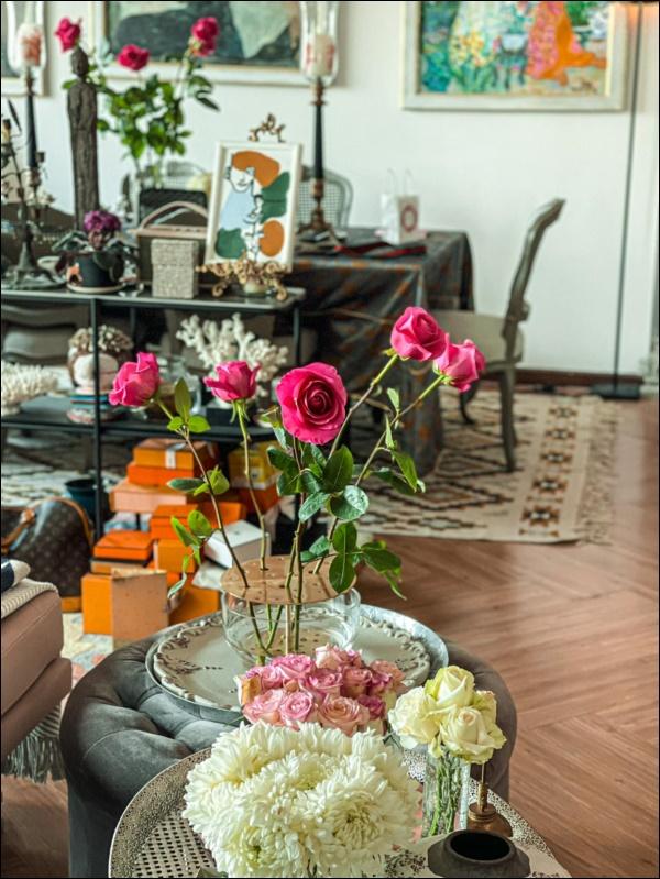 Không gian sống sang chảnh, ngập tràn hoa tươicủa NTK Lý Quí Khánh-3
