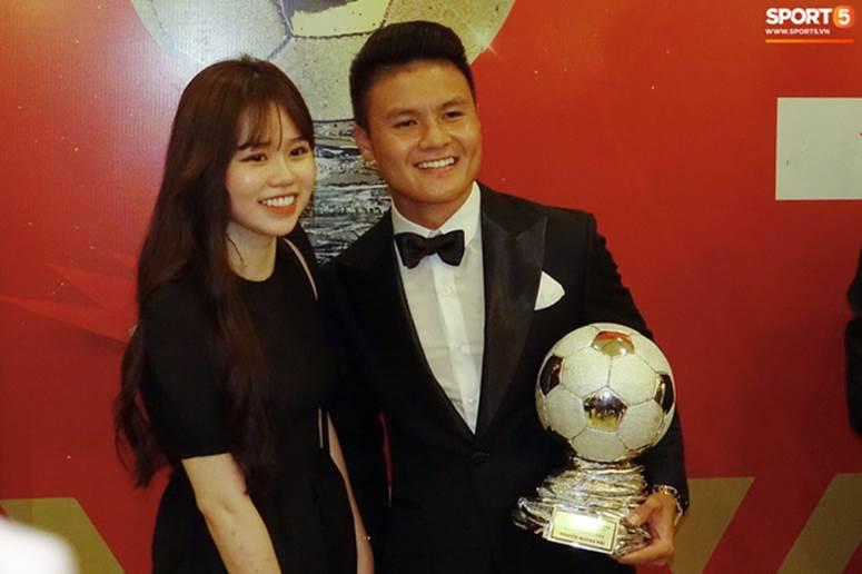 Quang Hải vừa đăng ảnh check-in ở chốn cũ, Huỳnh Anh cũng diện lại chiếc váy ngày xưa: Trùng hợp ghê-1