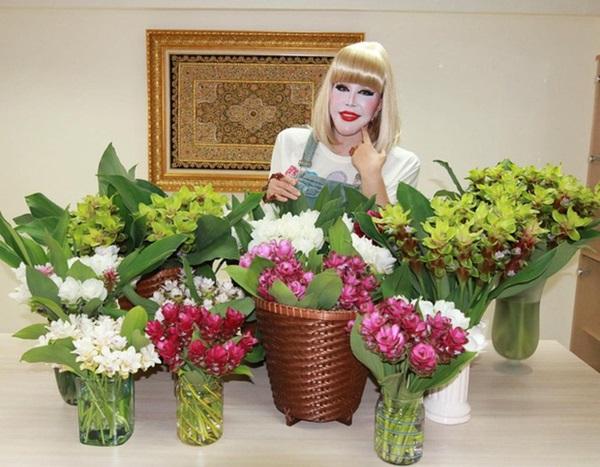 Đệ nhất thảm họa thẩm mỹ Thái Lan từng khiến dư luận xôn xao với gương mặt như tượng sáp sau 6 năm lộ diện với vẻ ngoài gây chú ý-6