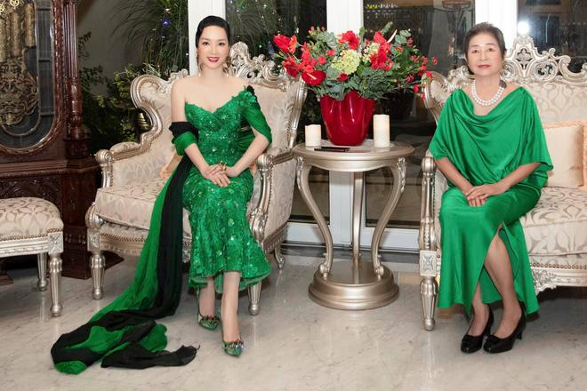 Chiêm ngưỡng biệt thự của Hoa hậu Giáng My: Sang chảnh như cung điện, phòng khách có sức chứa cả trăm người-3