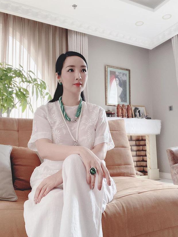 Chiêm ngưỡng biệt thự của Hoa hậu Giáng My: Sang chảnh như cung điện, phòng khách có sức chứa cả trăm người-6