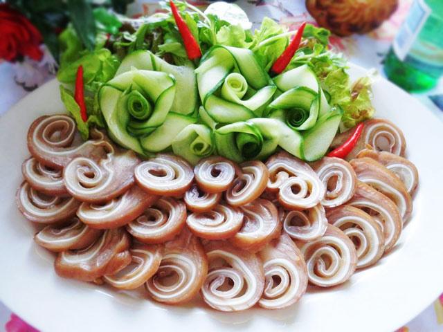 Tai heo cuộn ngũ vị: Món ngon độc đáo dễ làm cho ngày Tết-1