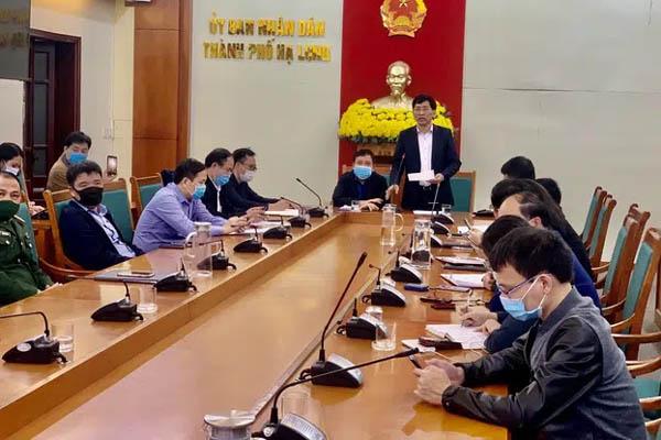 Quảng Ninh họp khẩn sau tin nhân viên an ninh sân bay nghi nhiễm Covid-19id-1