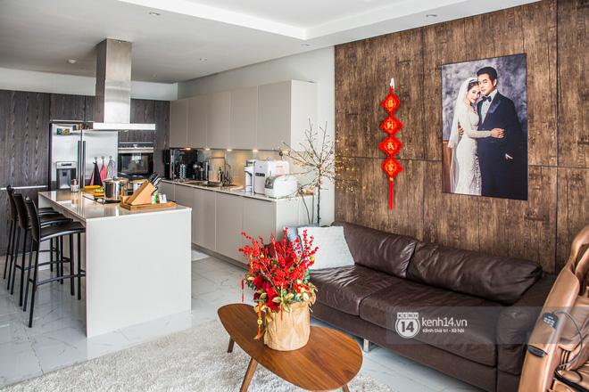 Nhà của Dương Khắc Linh - Sara Lưu: Phòng khách trưng hoa bắt mắt, gian bếp đắt đỏ chiếm gần một nửa giá mua nhà-5