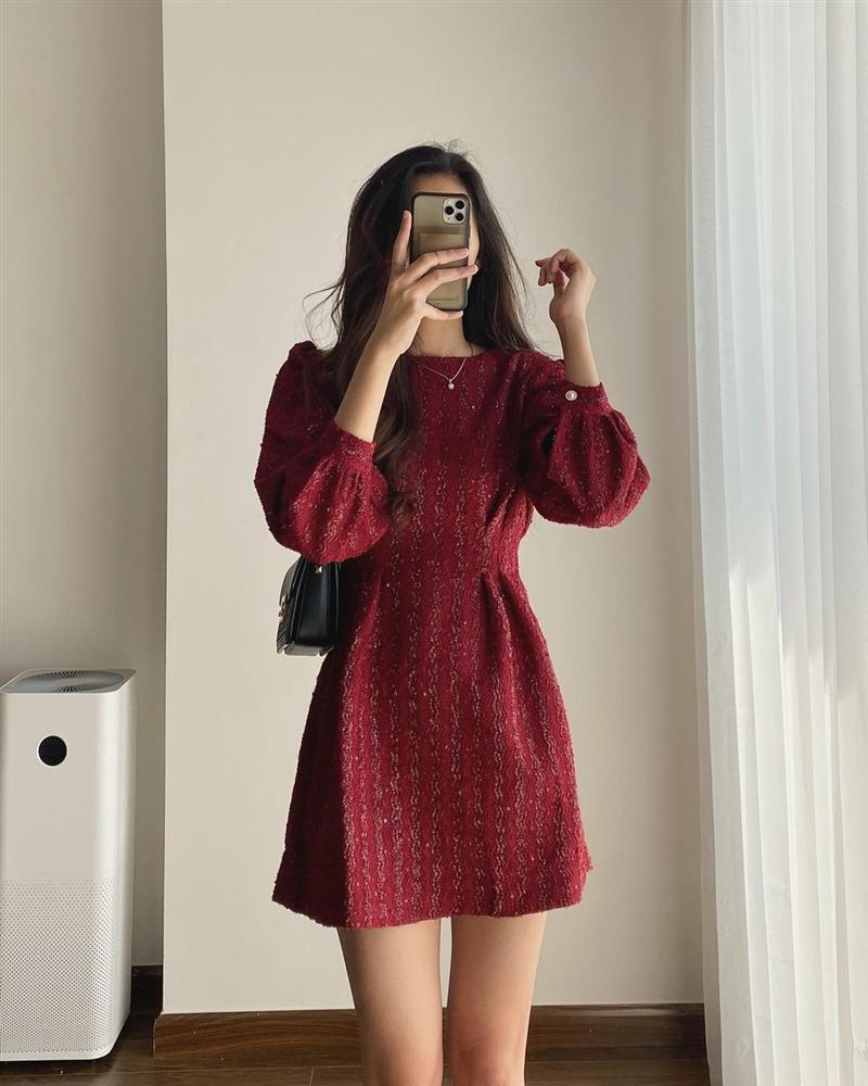 9 mẫu váy đỏ xinh ngất lại chẳng kén dáng, chị em tia gấp để Tết này diện lên ai cũng khen xinh-2