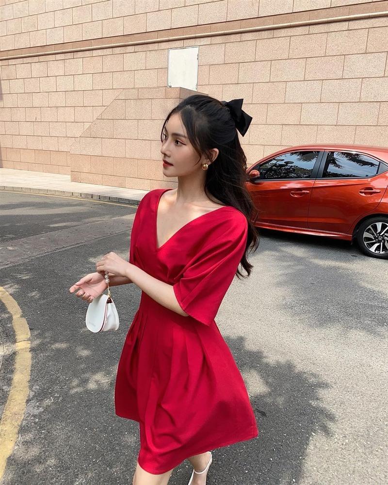 9 mẫu váy đỏ xinh ngất lại chẳng kén dáng, chị em tia gấp để Tết này diện lên ai cũng khen xinh-3
