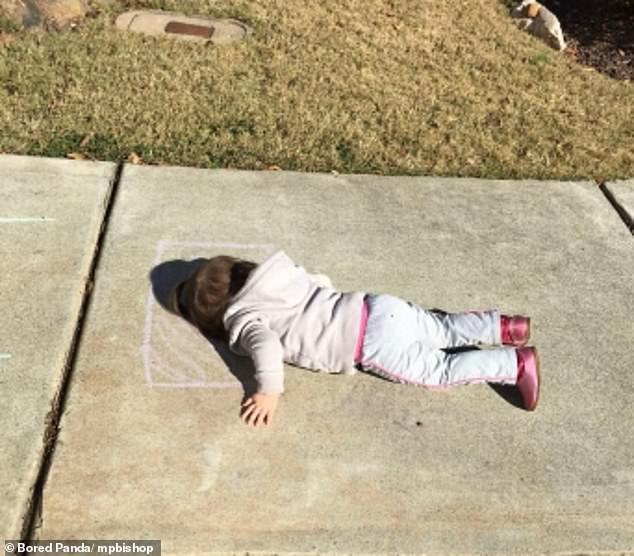 """Những khoảnh khắc kỳ quặc không thể lý giải được của trẻ khiến các bố mẹ cười không được, khóc không xong""""-7"""
