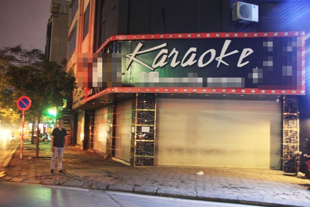 Karaoke tay vịn mà dân mạng đang bàn tán xôn xao là dịch vụ gì?-3