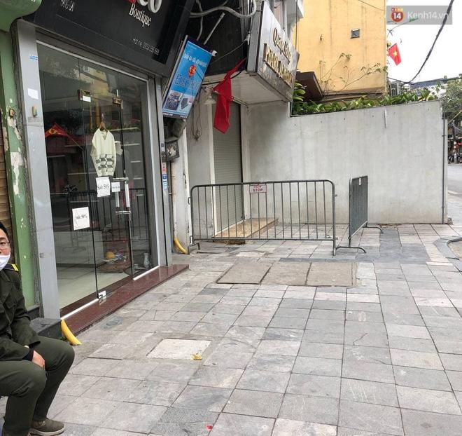 Hà Nội phong toả, chốt chặn một căn nhà ở phố Hàng Gai liên quan ca nghi nhiễm Covid-19-3
