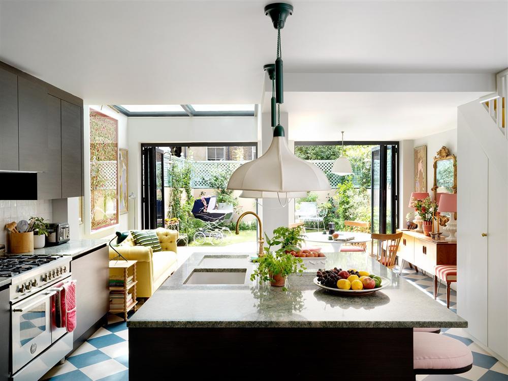 Nhà phố có không gian sống 3 trong 1 cực ấn tượng với decor màu ngập tràn sắc xuân-4