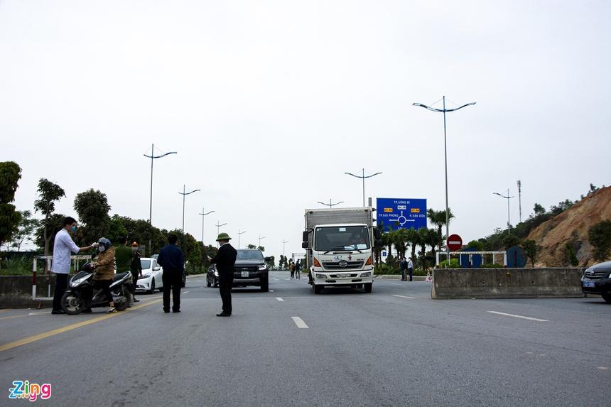Thủ tướng yêu cầu phong tỏa TP Chí Linh trong 21 ngày-2