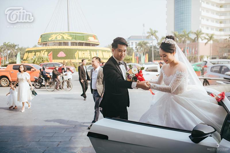 Choáng ngợp với đám cưới của Á khôi Đại học Kinh tế Quốc dân: Chú rể lái siêu xe Lamborghini 19 tỷ rước dâu-7