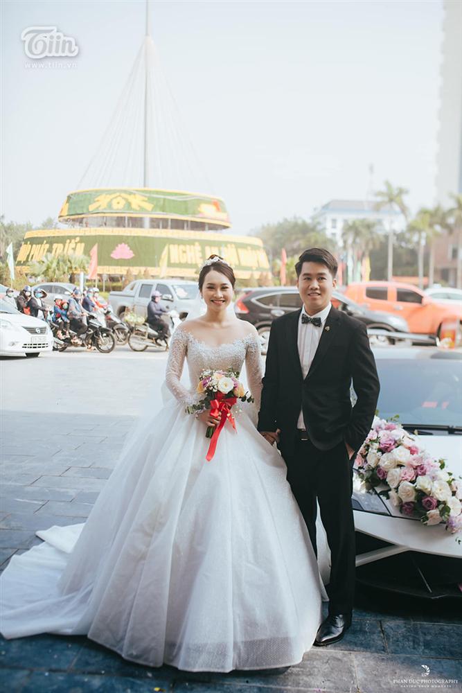 Choáng ngợp với đám cưới của Á khôi Đại học Kinh tế Quốc dân: Chú rể lái siêu xe Lamborghini 19 tỷ rước dâu-8