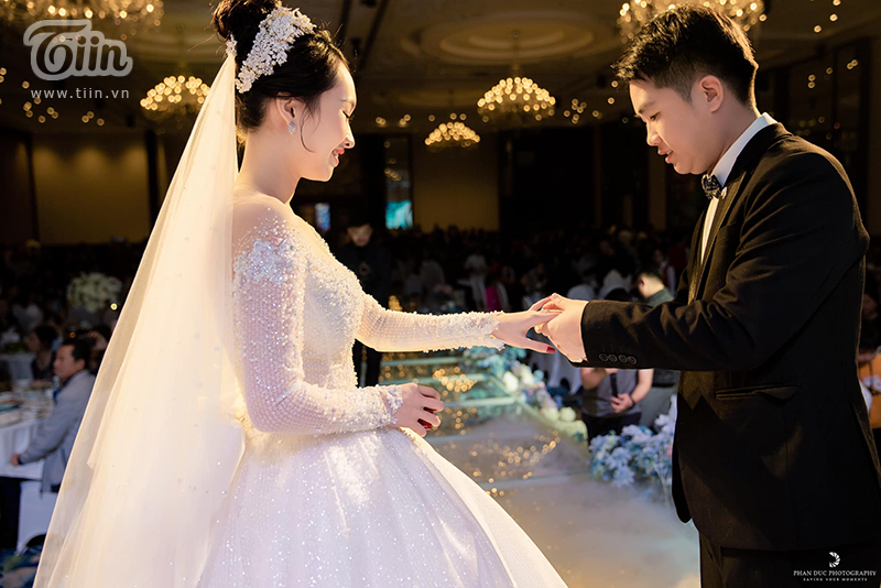 Choáng ngợp với đám cưới của Á khôi Đại học Kinh tế Quốc dân: Chú rể lái siêu xe Lamborghini 19 tỷ rước dâu-11