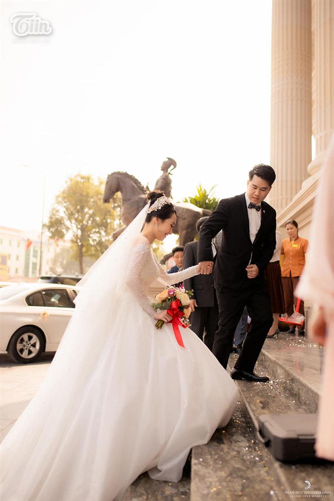 Choáng ngợp với đám cưới của Á khôi Đại học Kinh tế Quốc dân: Chú rể lái siêu xe Lamborghini 19 tỷ rước dâu-16