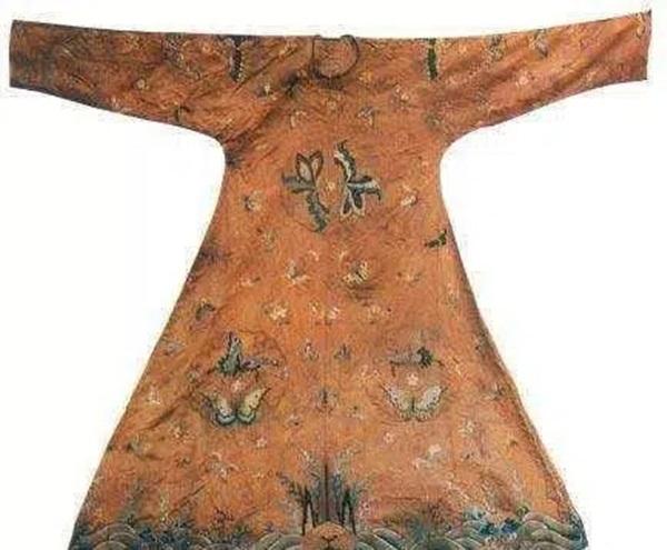 Từ 4 chữ người mở sẽ chết trên quan tài của cháu gái Hoàng hậu đến thi thể nữ mặc long bào, hé lộ loạt bí ẩn về mộ cổ Trung Hoa-3