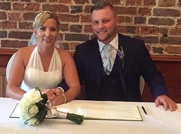 Vụ nữ giáo viên quan hệ với học sinh 15 tuổi trong xe hơi: Thêm những chi tiết gây choáng, chồng bị cáo lên tiếng nói về cuộc hôn nhân của mình-2