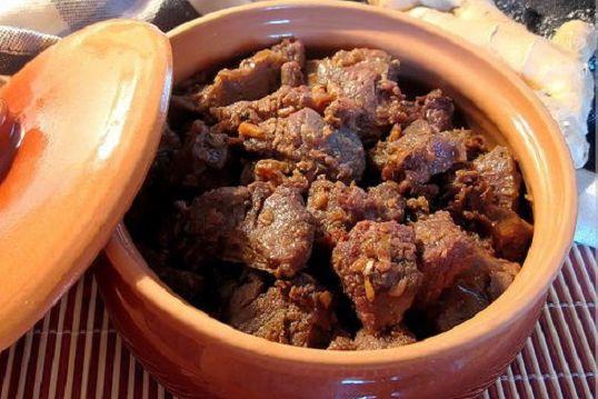 Món ngon trong mâm cỗ Tết cổ truyền miền Trung: Có tôm chua ăn mãi không chán, aicũng xuýt xoa khen-1