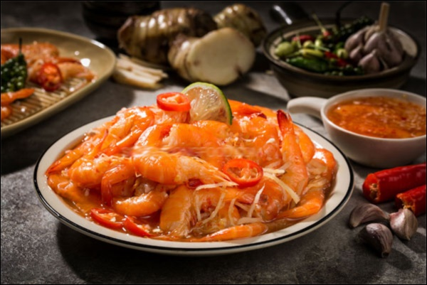 Món ngon trong mâm cỗ Tết cổ truyền miền Trung: Có tôm chua ăn mãi không chán, aicũng xuýt xoa khen-4