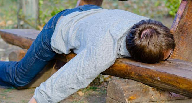 Vui quá đà dịp Tết dễ nảy sinh tình trạng say rượu: Chăm sóc người say thế nào để hạn chế rủi ro, Tết vui nhưng vẫn luôn an toàn-5