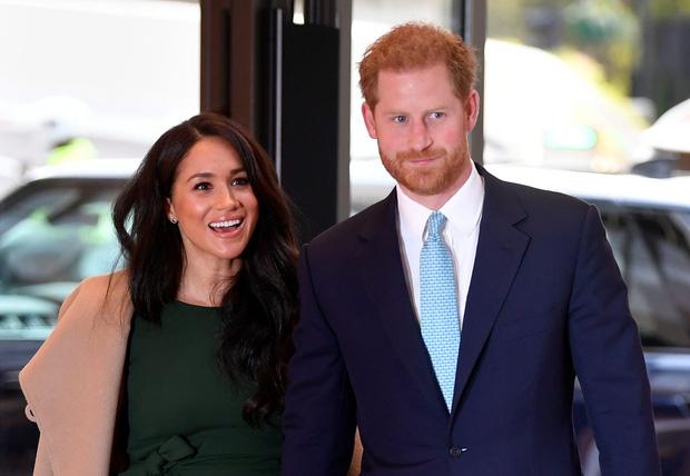 Hoàng tử Harry quyết định trở về Hoàng gia lần đầu sau khủng hoảng Megxit, Meghan và con trai không đi cùng vì lý do ít ai ngờ tới-1