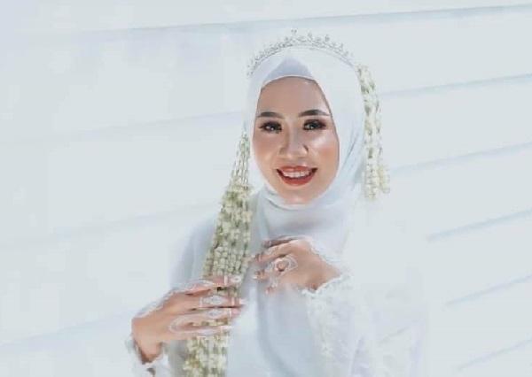 Clip: Cô dâu xin chồng ôm tình cũ 'một cái' trong đám cưới, hành động của tân lang khiến nhiều người khen ngợi-1